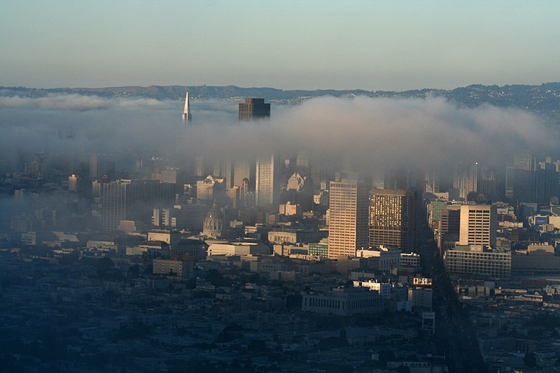 File:San Francisco and his fog.JPG