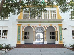 Bay Haven School - Image: Sarasota FL Bay Haven School 01