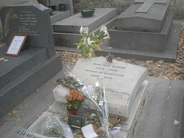 Могила Сартра на кладбище Монпарнас