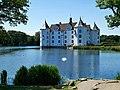 Schloss Glücksburg Parkplatzseite.jpg