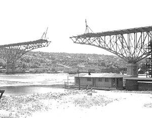 Seattle - Aurora Bridge under construction - 1931.jpg