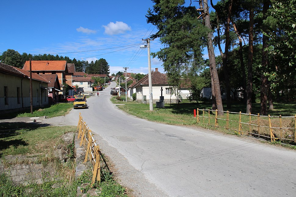 Selo Valjevska Kamenica - opština Valjevo - zapadna Srbija - centar sela 4