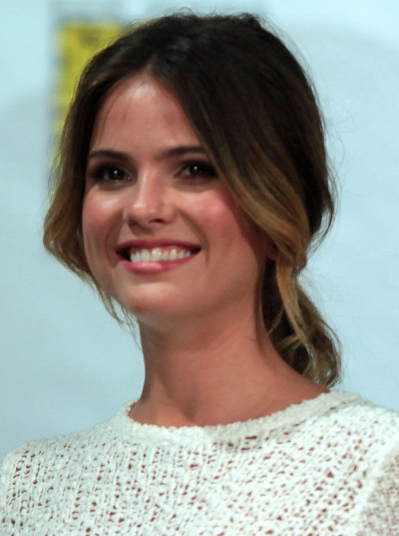 Shelley Hennig SDCC 2014.jpg