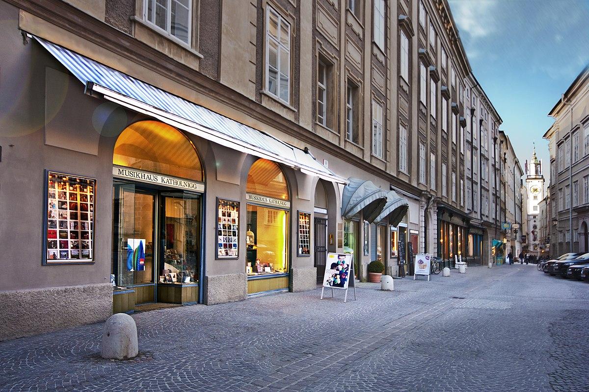 Sigmund-Haffner-Gasse in Salzburg, Austria. Picture by Horst Michael Lechner, Wikipedia CC
