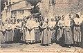 Sortie de messe à Balaguères.jpg