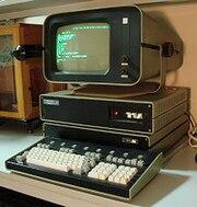 http://upload.wikimedia.org/wikipedia/commons/thumb/e/ea/Soviet_computer_DVK-2.JPG/180px-Soviet_computer_DVK-2.JPG