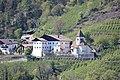 St. Peter mit Friedhofskapelle in Gratsch (Dorf Tirol) (2).JPG