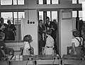 Staatsbezoek president Coty aan Nederland. Mevrouw Coty en koningin Juliana bezo, Bestanddeelnr 906-6179.jpg