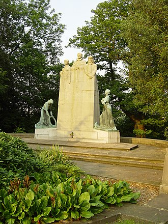 Towneley Park - Image: Statue Towneley