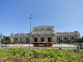 Stazione Centrale front view, Milan, Italy (9474185594).jpg