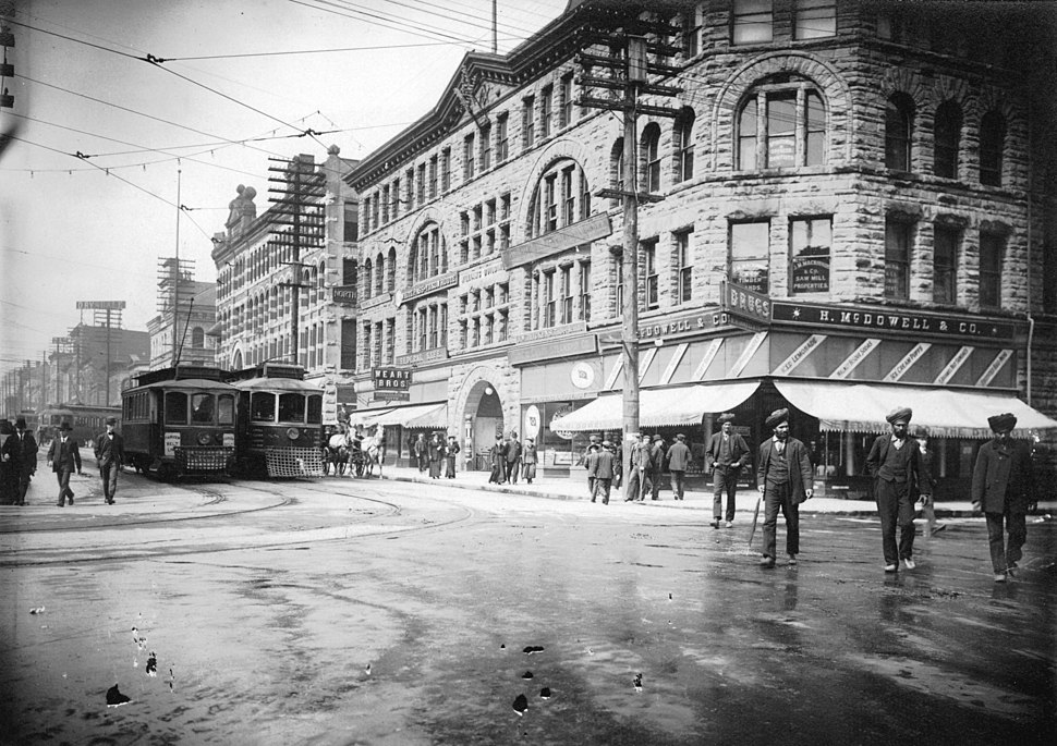 Streetcars passing at the 400 Block of Granville Street, Vancouver, in 1908