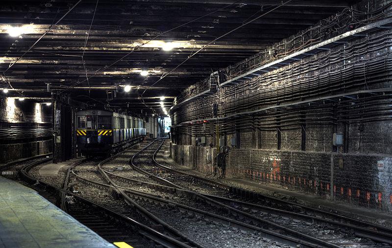 File:Subterraneo de Buenos Aires tunel Linea A.jpg
