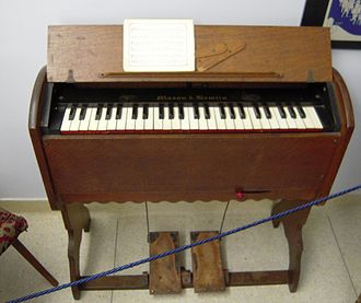Pump organ - Portable 19th-century reed organ with one rank of reeds
