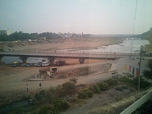 Srikalahasti - Swarnamukhi river and the bridge at Srikalahasti