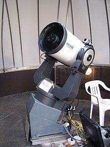 Telescopio per impieghi amatoriali con puntamento computerizzato