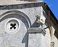 Taglia di biduino, leone della pieve dei Santi Ippolito e Cassiano (San Casciano di Cascina), xii secolo.jpg