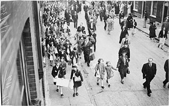Timeline of the United Kingdom home front during World War II - Evacuee schoolchildren leave Stepney in London at 5 am on 1 September 1939.