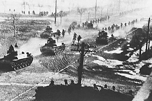 Liaoshen Campaign - People's Liberation Army and Type 97 Chi-Ha tanks advance into Shenyang.