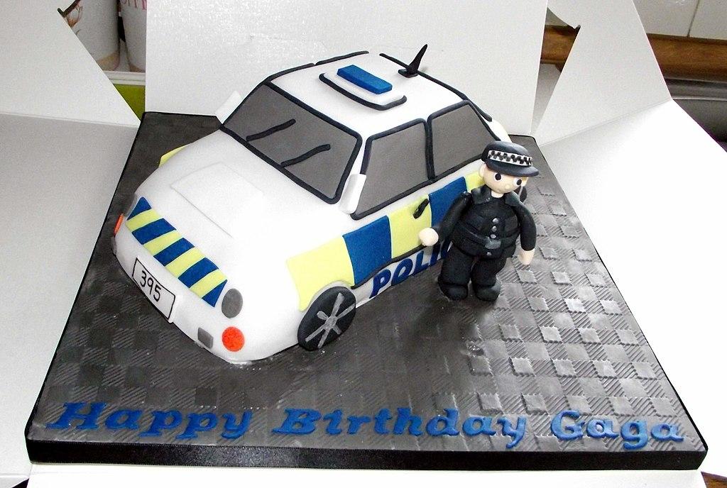 Filethe Ultimate Model Police Car Cake 6277777563g