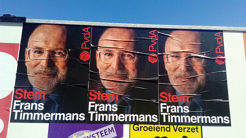 File:Three (3) Stem Frans Timmermans posters, Oude Pekela (2019).jpg