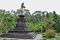 Tirta Empul temple (16871048820).jpg