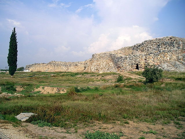 Ruines du mur de Tirynthe (Wikicommons)