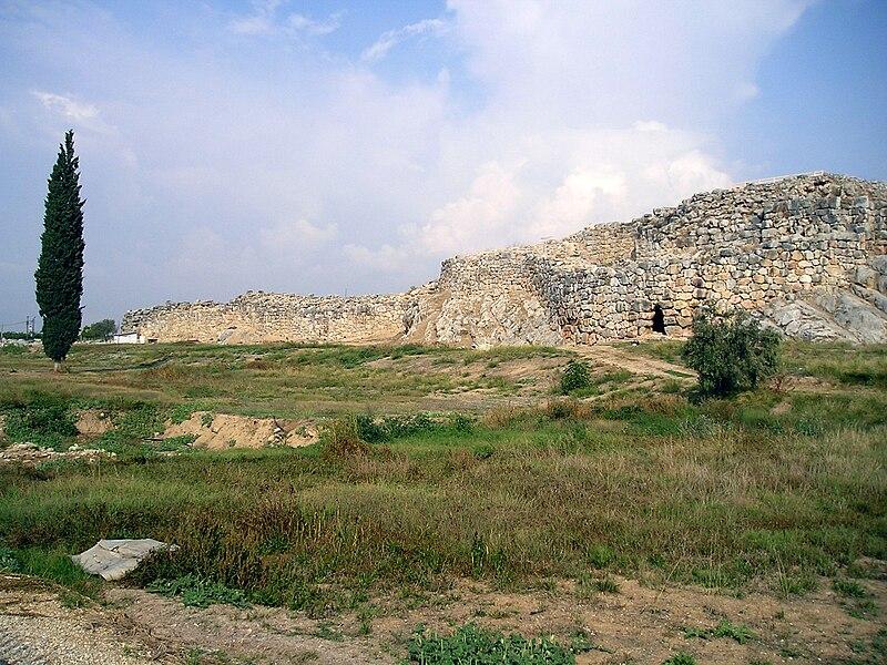 File:Tiryns - Cyclopean masonry.jpg