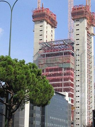 Torre Cepsa - Image: Torre Repsol en Madrid 2.pav