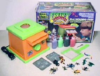"""Creepy Crawlers - An early version of the ToyMax """"Magic Maker"""" Creepy Crawlers Oven Set"""