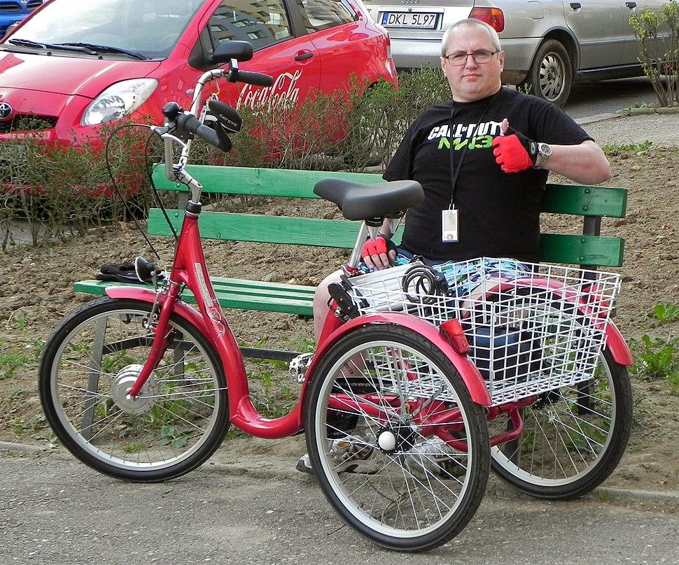 Trójkołowy rower rehabilitacyjny
