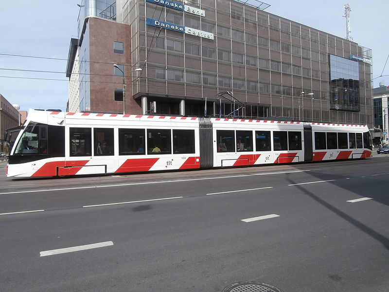 File:Tram 506 at Danske Bank Tallinn 31 August 2015.JPG