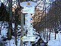 Turistický rázcestník ^ Directional - panoramio.jpg