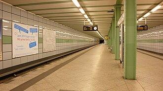 Strausberger Platz (Berlin U-Bahn) - Platform in 2007