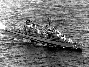 USS Noa (DD-841) underway in November 1968 (USN 1139389)