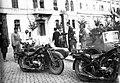 Vörösmarty tér, Rex benzinkút. Méray oldalkocsis motorkerékpárok. Fortepan 8604.jpg