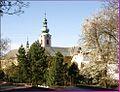 Věž kláštera Milosrdných bratří - panoramio.jpg