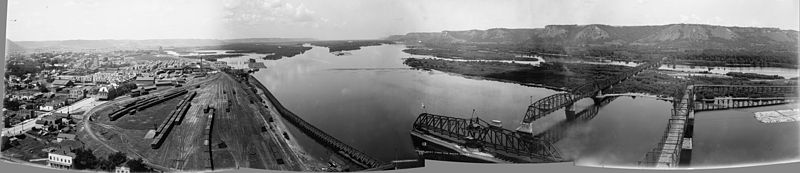 Valley of the Mississippi from Winona, Minn. c1898