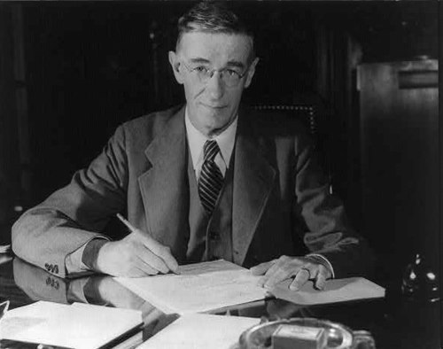Vannevar Bush, a famous information scientist, ca. 1940-1944 Vannevar Bush portrait.jpg