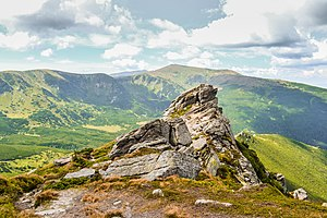 Veronika Leonets г. Вухатий Камінь (1 864 м) 12.jpg