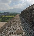 View along terrace of Pyramid of the Sun, Teotihuacan.jpg