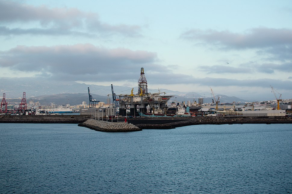 View of the Port of Las Palmas from the dock of La Esfinge (3)