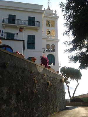 Villa Garnier - Image: Villa Garnier con torre