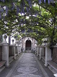 Villa d'Este pergola.jpg
