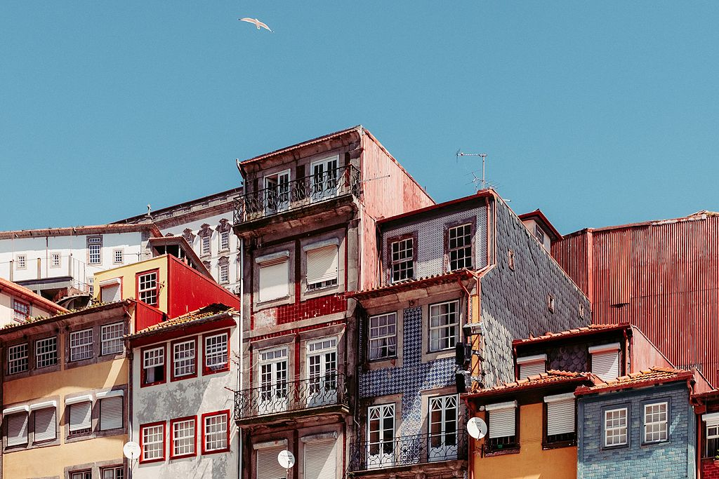 Sur la même place du quartier de Ribeira à Porto quelques années plus tard - Photo de Samuel Zeller