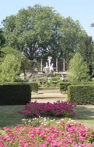 York House, Twickenham - Image: Vista York House gardens