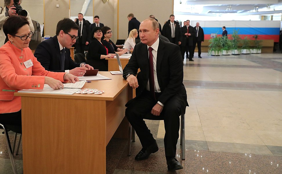 Vladimir Putin voted in the presidential election in Russia in 2018 03.jpg