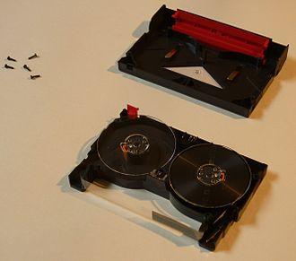 VXA - Image: Vxa tape v 17 cartridge disassembled 1