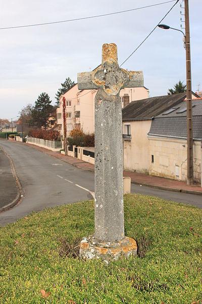 Croix Bourdon, rue Bouju, Saint-Lambert-des-Levées, Fr-49-Saumur.