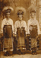 West Ukrainian (Bukovinian) girls, 1909.jpg