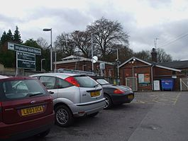 Whyteleafe South stn building.JPG
